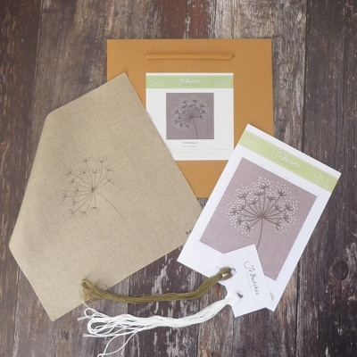 Cow Parsley. Hand Embroidery Kit