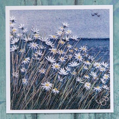 10-daisies-by-the-sea-card