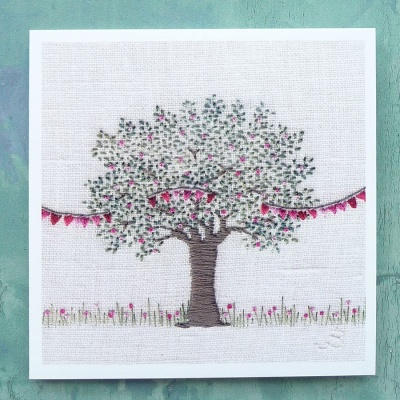 apple-tree-with-bunting-card-
