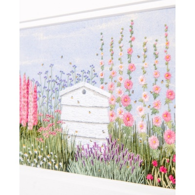 floral-border--beehive--jo-butcher-2