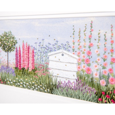 floral-border--beehive-jo-butcher-1